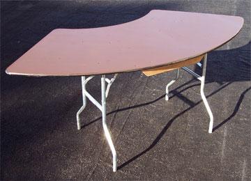 8' Serpentine Tables